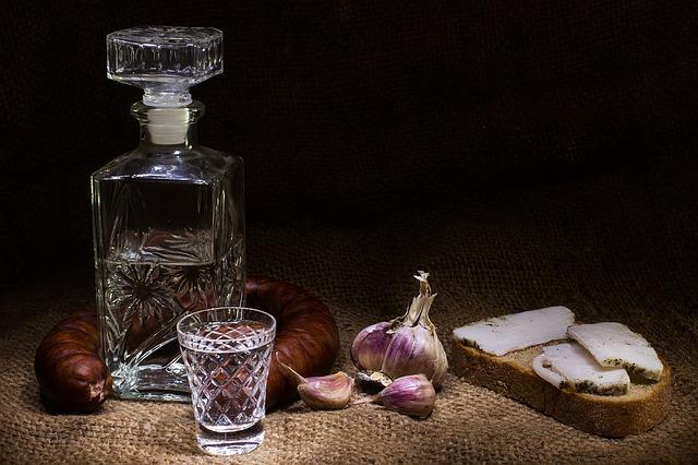 Alkohol Kalorien - klarer Schnaps hat am wenigsten