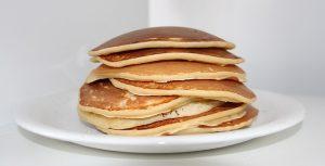 Mit Whey Protein Pulver lassen sich Low Carb Pancakes herstellen