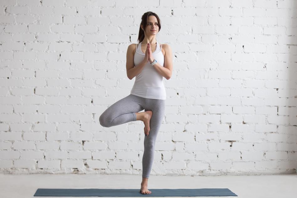 Yoga für Anfänger - der Baum