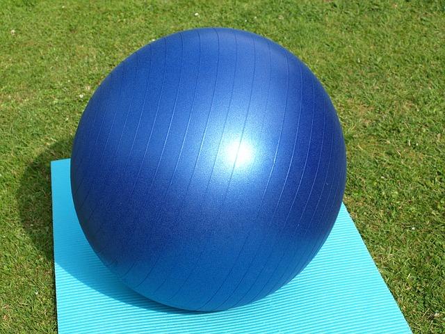 Gymnastikball für einen knackigen Po