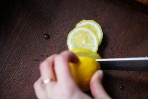 Der Vitamin C Gehalt der HAgebutte überschreitet den der Zitrone deutlich