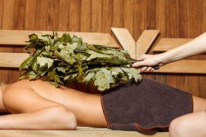 Den Kalorienverbrauch beim Saunagang mit erhöhter Temperatur steigern