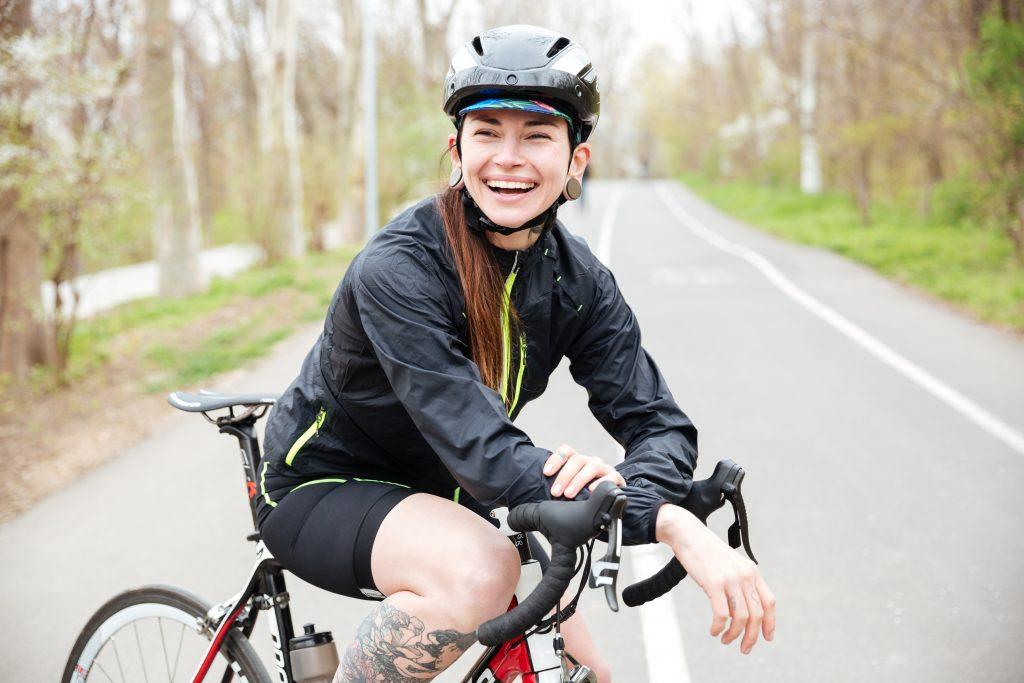 Wer Kalorien beim Fahrradfahren verbrennen will sollte in einem hohen Gang fahren