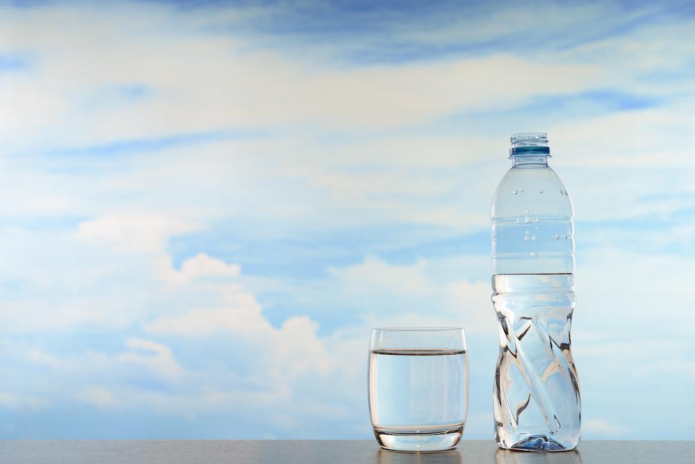 Beim Intervallfasten solltest du viel Wasser trinken