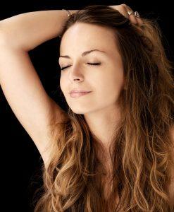 Nachtkerzenöl Haut - gut im Kampf gegen Akne